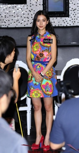 Angelababy_BlueFlowerDress