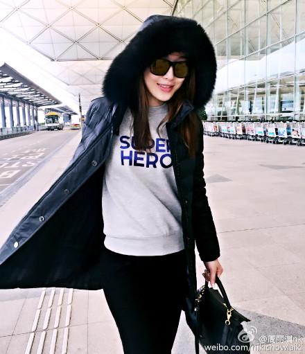 NikiChow_SuperheroSweatshirt