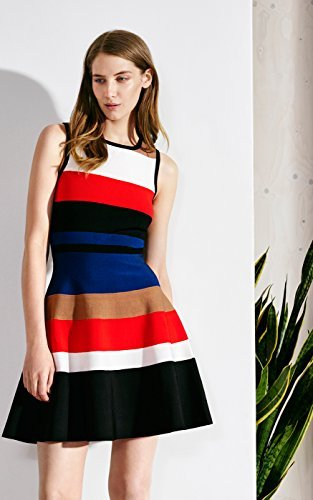 KarenMillen_ColorblockingDress_Model2