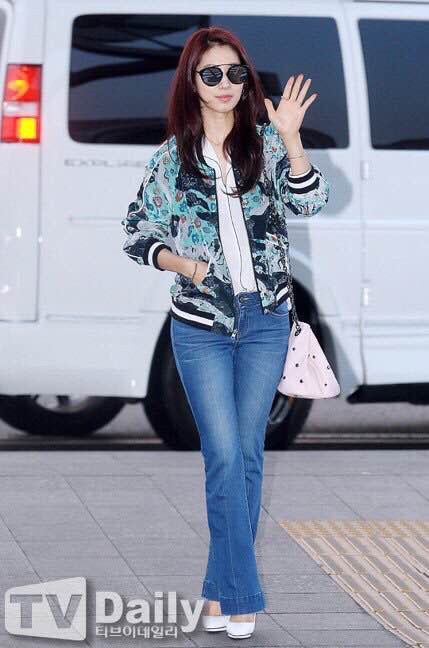 ParkShinHye_BomberJacket_KickBootFlare